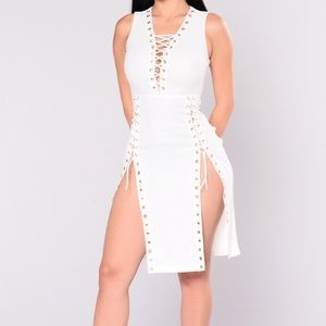 ✨Heart Strings Double Slit White Midi Dress✨
